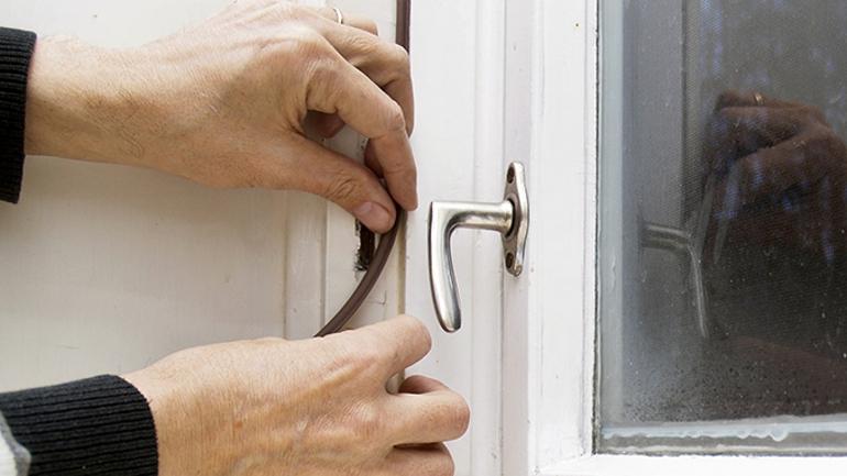 tiivistämällä ikkunat säästät