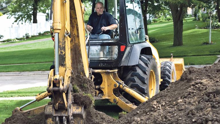 Selvitäthän maakaapeleiden sijainnin ennen kuin kaivinkone kuopaisee